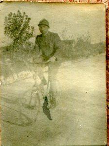 SCAN-FP-Alb-p-018-004-(in bicicletta-1916-ott-11